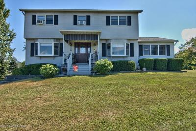 Mount Bethel Single Family Home For Sale: 78 Scenic Ct