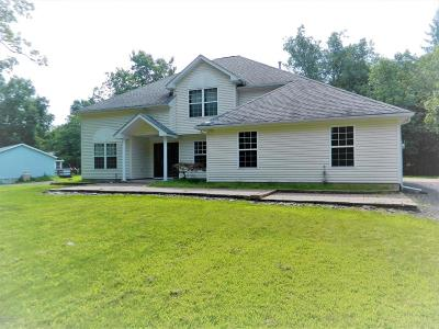 Henryville Single Family Home For Sale: 130 Sunrise Lp