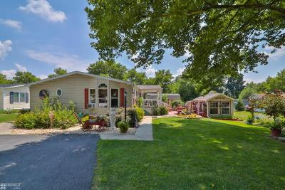 Lehigh County, Northampton County Single Family Home For Sale: 12 Valley View Dr