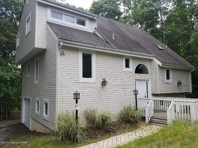 Penn Estates Single Family Home For Sale: 484 Lakeside Dr