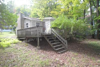 Pocono Lake Single Family Home For Sale: 115 Mohican Trl