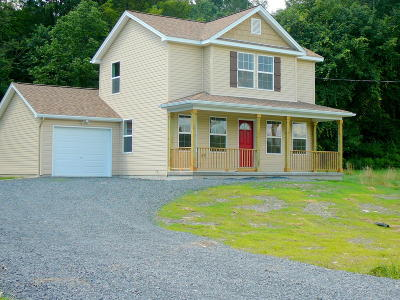 East Stroudsburg Single Family Home For Sale: 3 Dancing Ridge Road