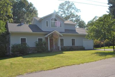 Stroudsburg Single Family Home For Sale: 302 Norton Rd