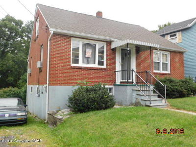 Lehigh County, Northampton County Single Family Home For Sale: 125 Roseto Ave