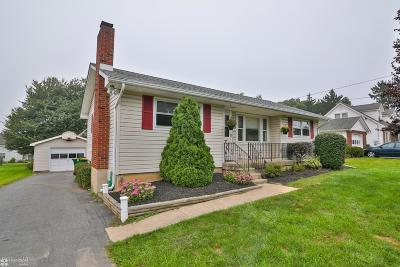 Lehigh County, Northampton County Single Family Home For Sale: 3349 Allen St