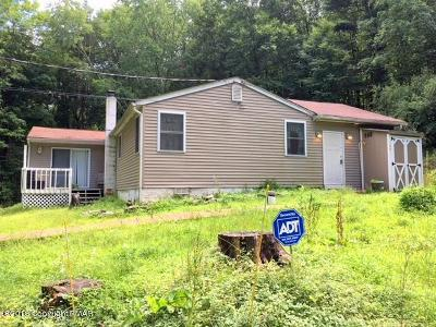 East Stroudsburg Single Family Home For Sale: 127 Pipe Line Ln
