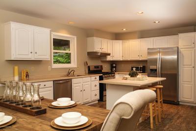 Pocono Lake Single Family Home For Sale: 5172 Autumn Ln