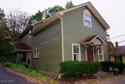 Stroudsburg Single Family Home For Sale: 6311 Cherry Valley Rd