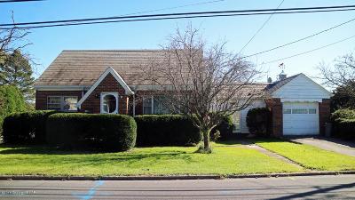 Pen Argyl Single Family Home For Sale: 1112 Blue Valley Dr