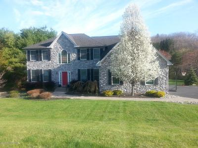 Stroudsburg Single Family Home For Sale: 5507 Bridle Rd