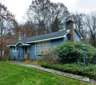 Blakeslee Single Family Home For Sale: 125 Nakora Dr
