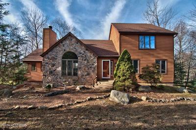 Lake Harmony Single Family Home For Sale: 95 Wolf Hollow Rd