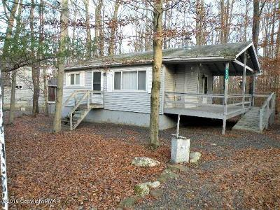 Pocono Lake Single Family Home For Sale: 557 Maxatawny Drive