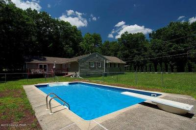 East Stroudsburg Single Family Home For Sale: 2115 Deer Track Dr