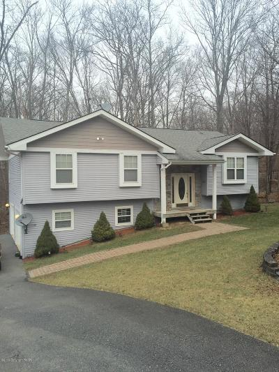 Country Club Of The Poconos Single Family Home For Sale: 3122 Sparrow Ct