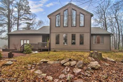 Lake Harmony Single Family Home For Sale: 67 Chestnut Rd