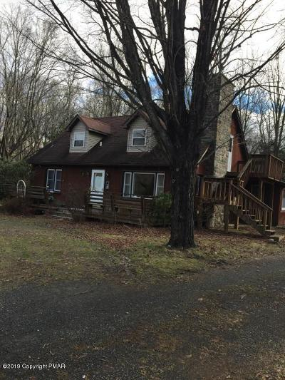 Stroudsburg Single Family Home For Sale: 2402 Mountain Rd