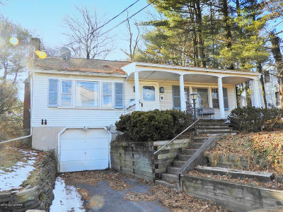 Stroudsburg Single Family Home For Sale: 1117 Chipperfield Drive