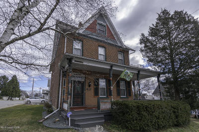 Pen Argyl Single Family Home For Sale: 412 N Robinson Ave