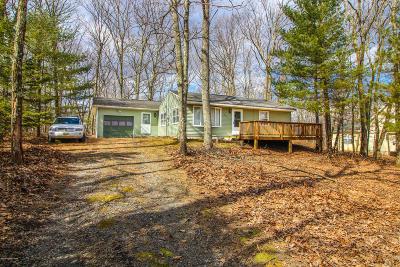 Henryville Single Family Home For Sale: 2185 Lake Dr