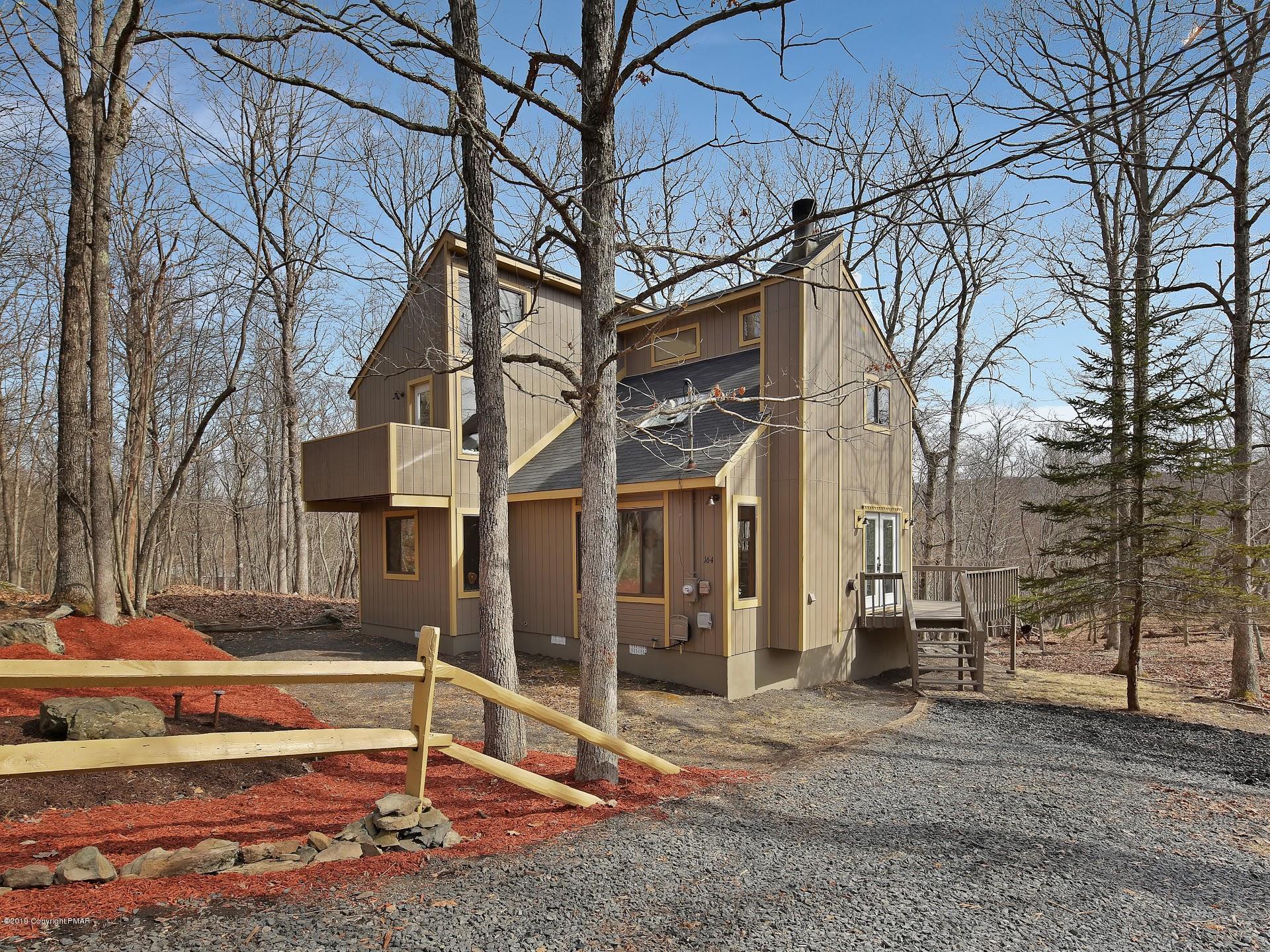 106 Harvard Ct., Bushkill, PA 18324