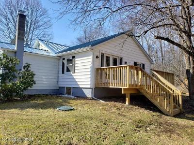 East Stroudsburg Single Family Home For Sale: 670 Fawn Rd