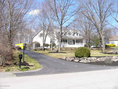 East Stroudsburg Single Family Home For Sale: 29 Stone Gate Dr