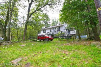 Henryville Single Family Home For Sale: 383 Wobbly Barn Rd