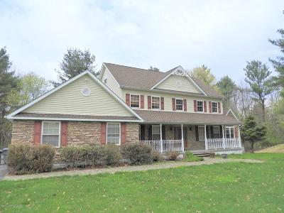 Stroudsburg Single Family Home For Sale: 4022 Manor Dr