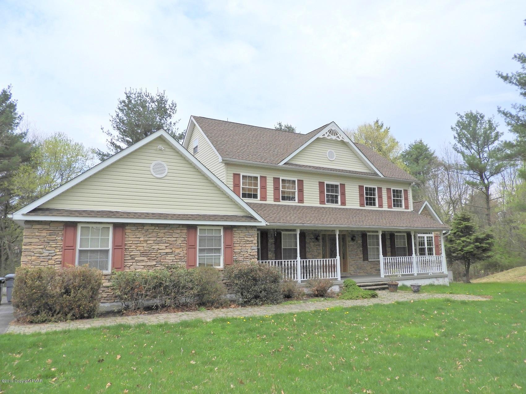 4022 Manor Dr, Stroudsburg, PA 18360