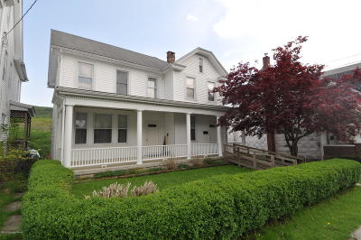 Jim Thorpe Single Family Home For Sale: 510 Center St