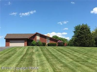 Upper Mt. Bethel Single Family Home For Sale: 96 Scenic Ct