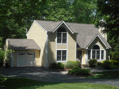 East Stroudsburg Single Family Home For Sale: 323 Eastshore Dr