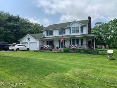 Brodheadsville Single Family Home For Sale: 822 Fawn View