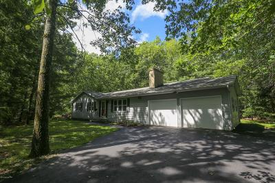 Stroudsburg Single Family Home For Sale: 485 Cays Rd