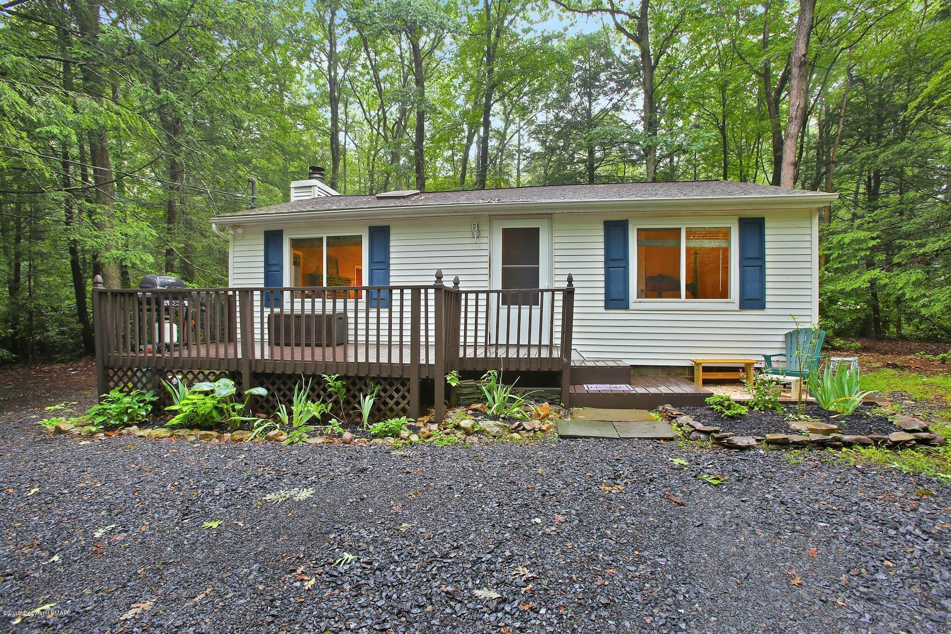 186 Lower Valley Dr, Kunkletown, PA 18058