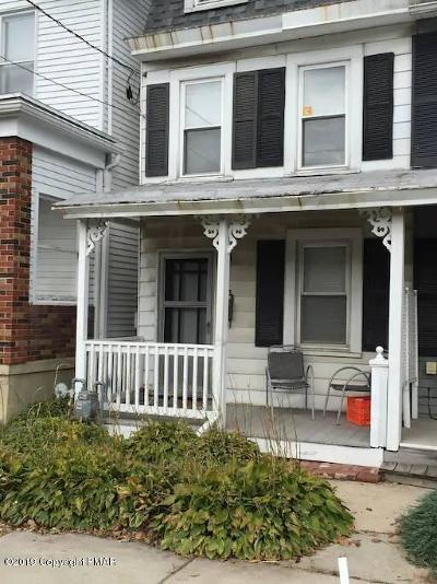 Jim Thorpe Single Family Home For Sale: 208 South Ave
