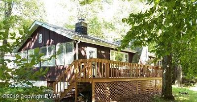 Single Family Home For Sale: 130 Tomhickon Trl