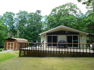 Canadensis Single Family Home For Sale: 526 Big Oak Rd