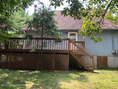 East Stroudsburg Single Family Home For Sale: 168 Kahkout Mountain Cir