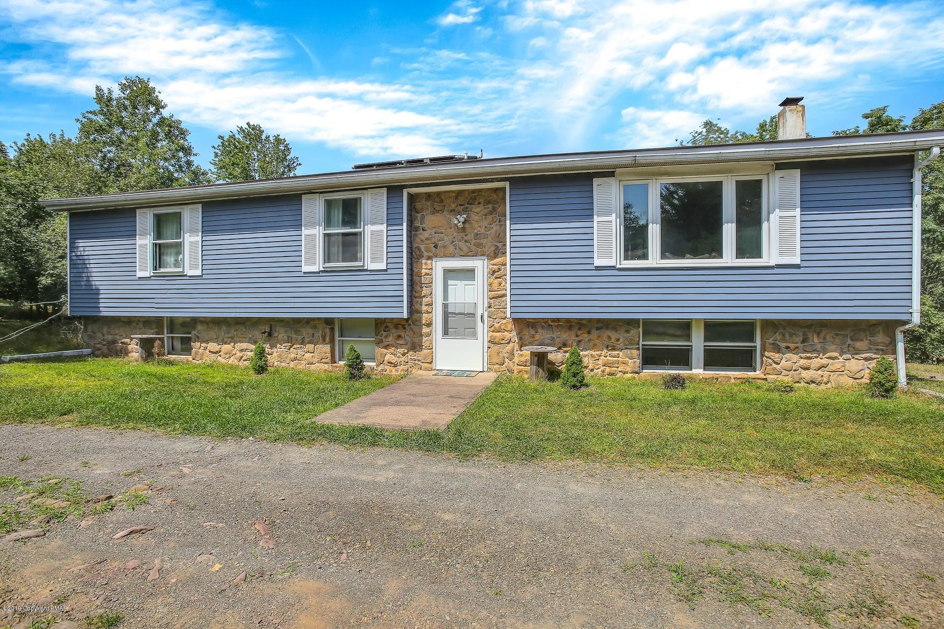 215 Fawn Ln, Albrightsville, PA 18210