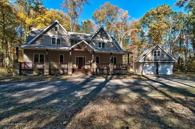 Stroudsburg Single Family Home For Sale: 120 Woods Way