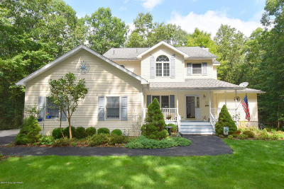 Stroudsburg Single Family Home For Sale: 221 Pin Oak Rd