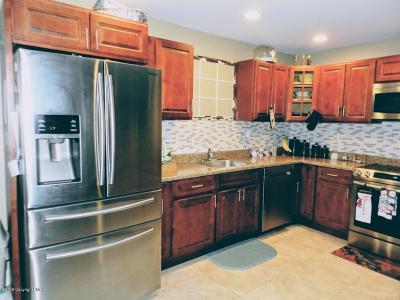 Pocono Summit Single Family Home For Sale: 6529 Laurel Rd