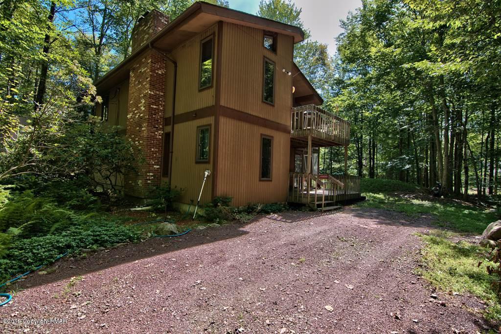 4190 Hemlock Trl, Pocono Pines, PA | MLS# PM-71467 | Lake