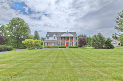 Lehigh County, Northampton County Single Family Home For Sale: 5290 Wheatland Dr