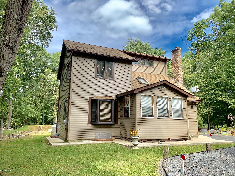 1242 Park Dr, East Stroudsburg, PA 18302
