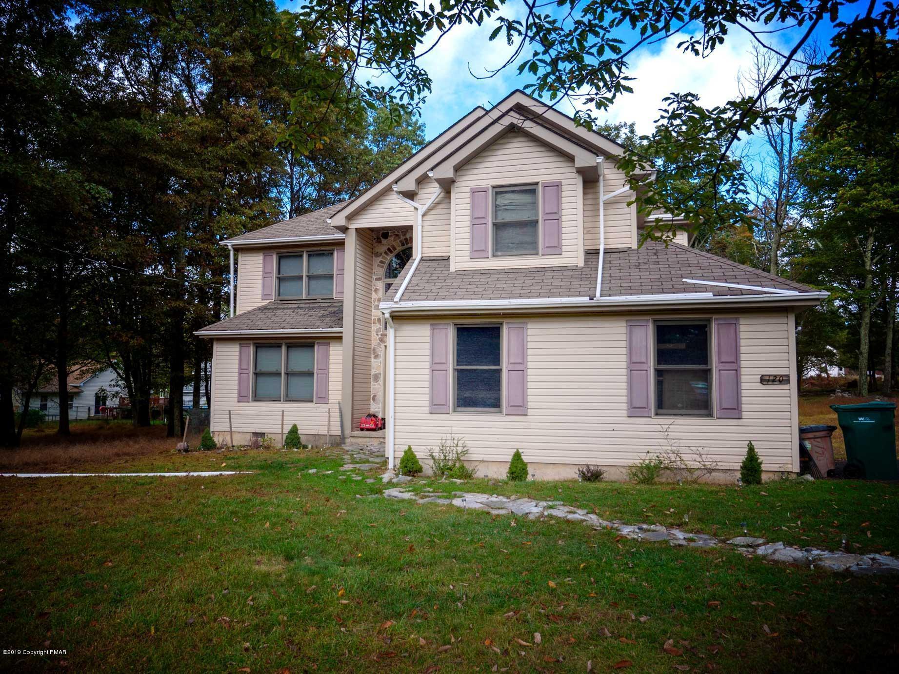 120 Simmons Pl, Bushkill, PA 18324