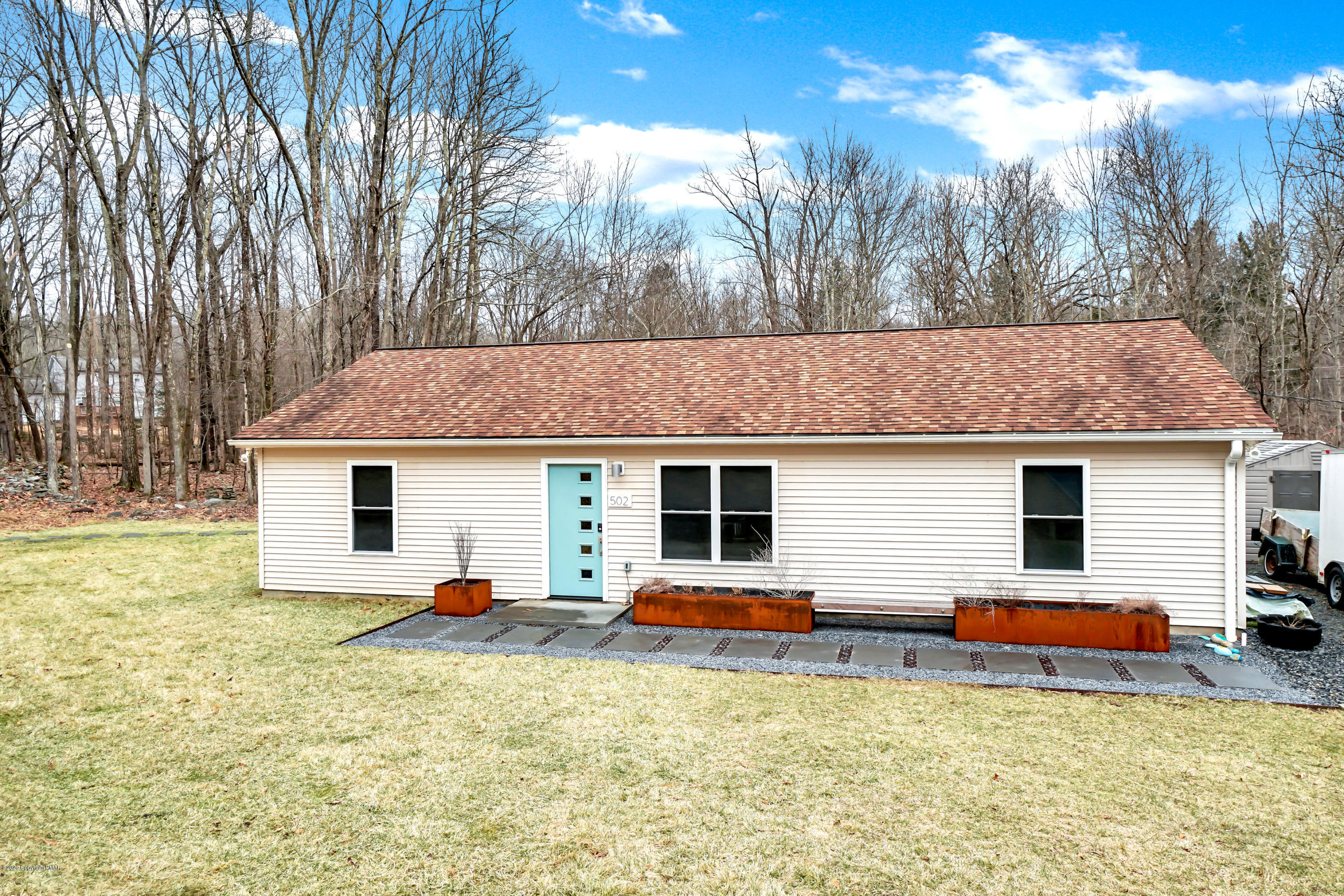 502 San Marco Ct, Henryville, PA 18332
