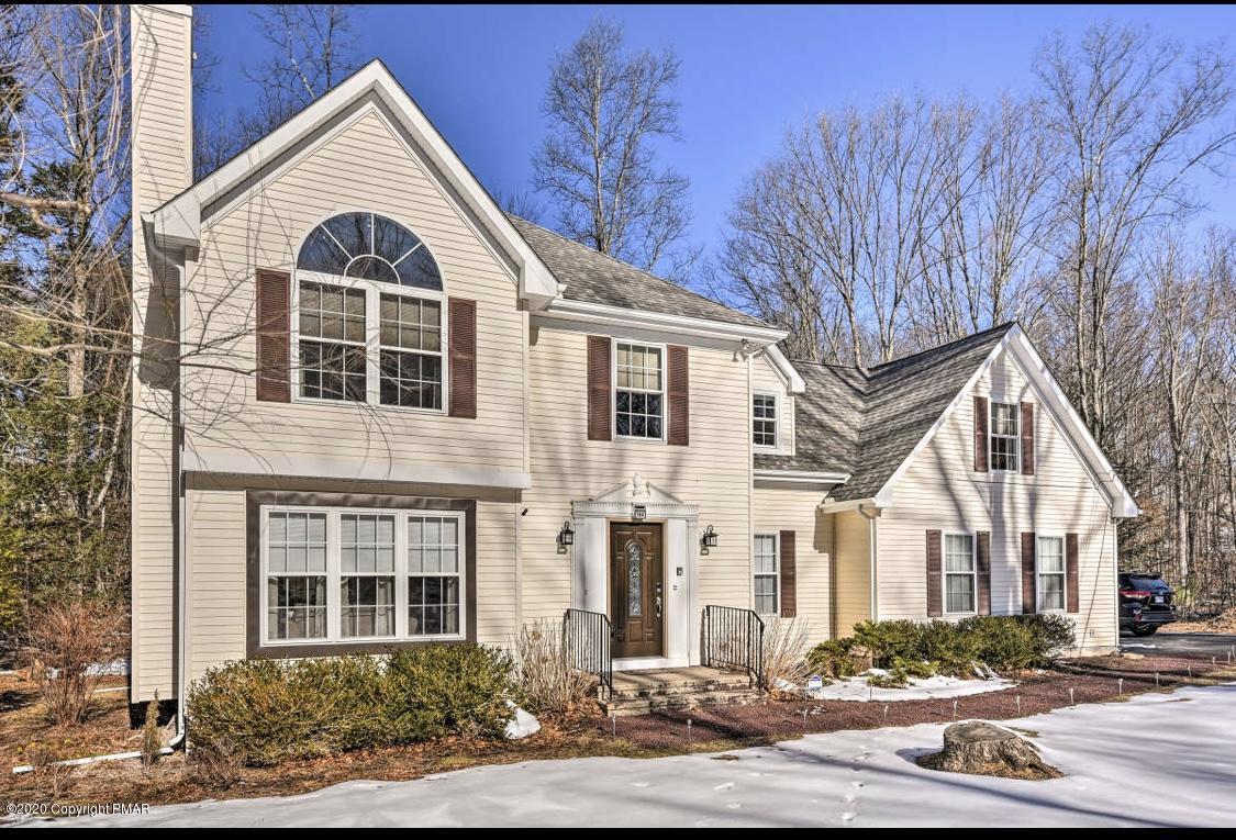 194 White Pine Trl, East Stroudsburg, PA 18301
